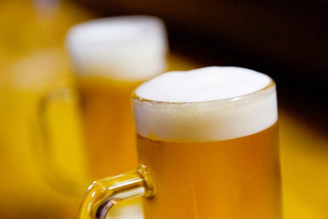 お酒(アルコール)が癌細胞の転移を促進する?大腸がん肝転移モデルでの検討
