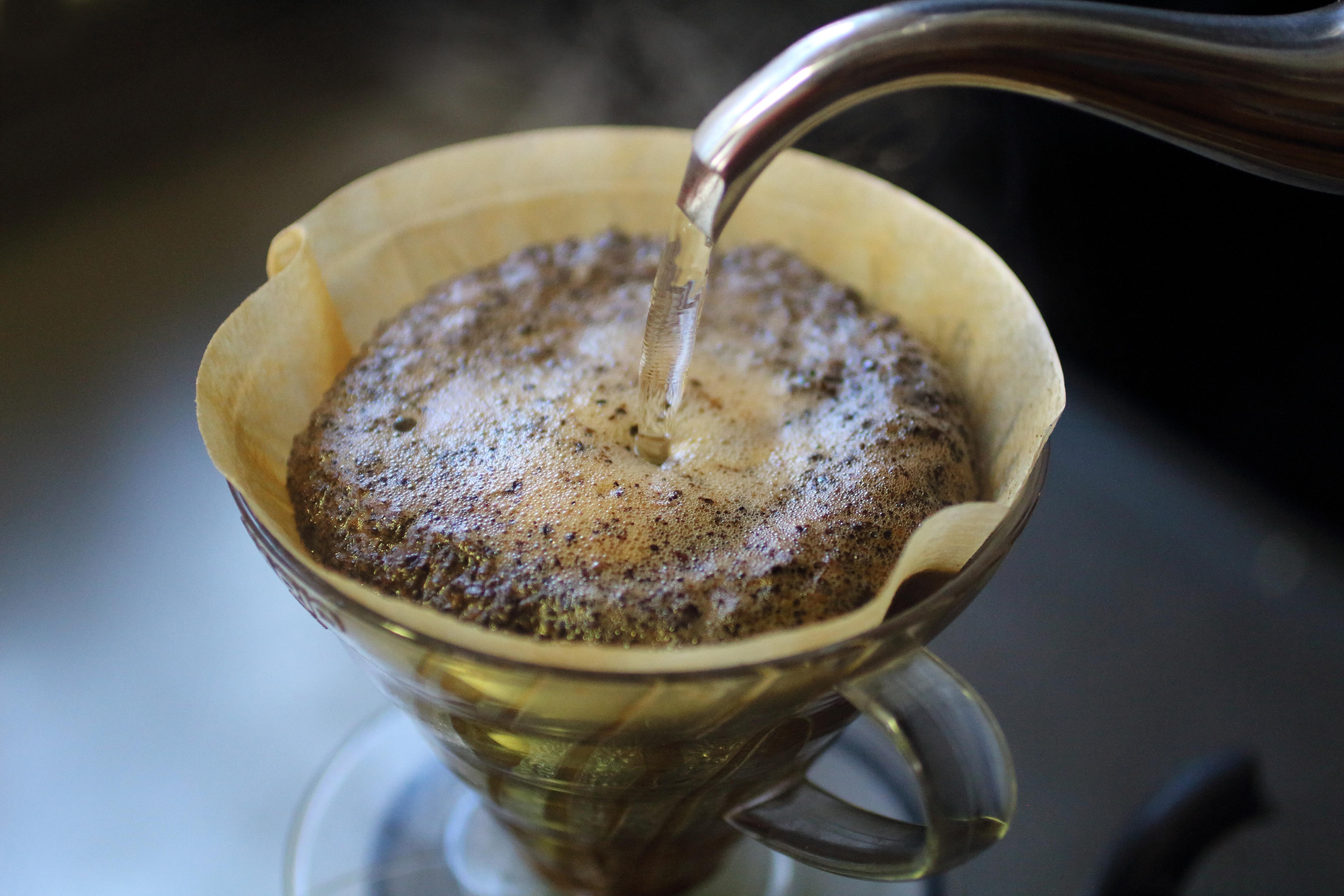 コーヒーは大腸がんの再発を予防し、死亡率を低下:海外からの2つの研究結果より